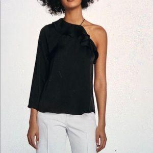 Asymmetric satin blouse.very new